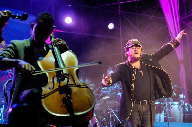 zucchero sul palco a Cuba