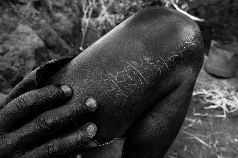 la conta dei mattoni - foto Fulvio Bugani