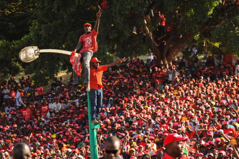 folla elezioni Kenya 2013
