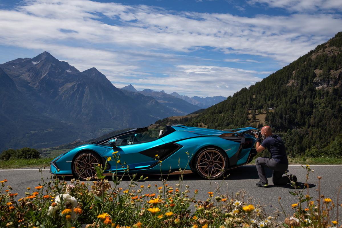 il fotografo Fulvio Bugani per Sian Roadster in Valle DAosta